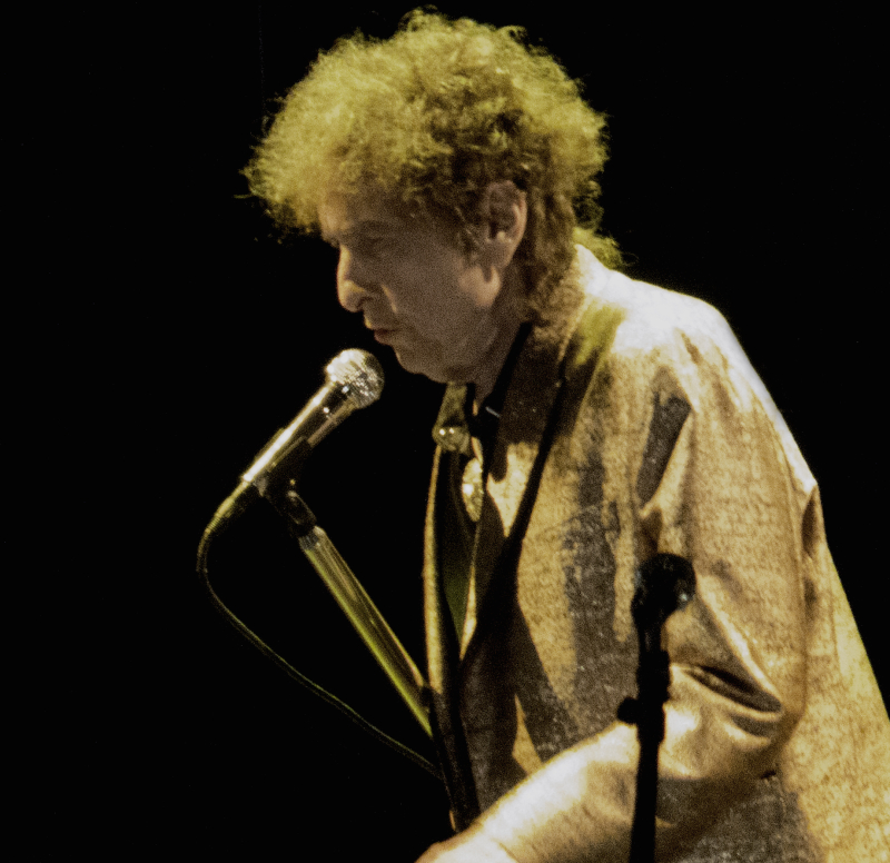 26f70402545 Bob Dylan opened a week-long series Thanksgiving concerts at the Beacon  Theatre in New York City Monday Night. His opening act was Mavis Staples