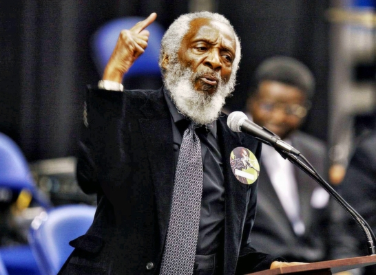 Dick Gregory at the funeral of James Brown  2011 copy