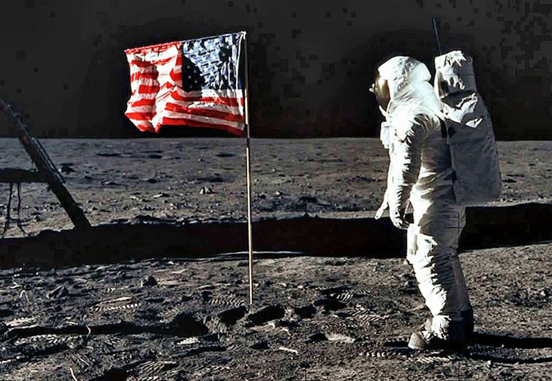 Moon-Neil Armstrong