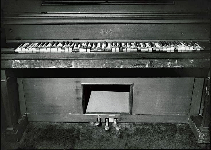 Jerry Lee Lewis's home piano