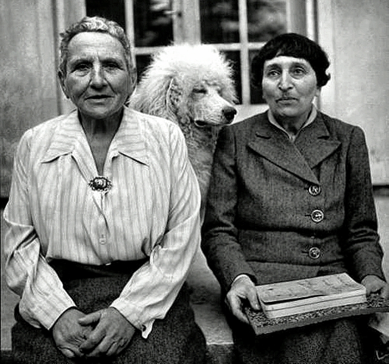 Gertrude Stein and Toklas-Move In